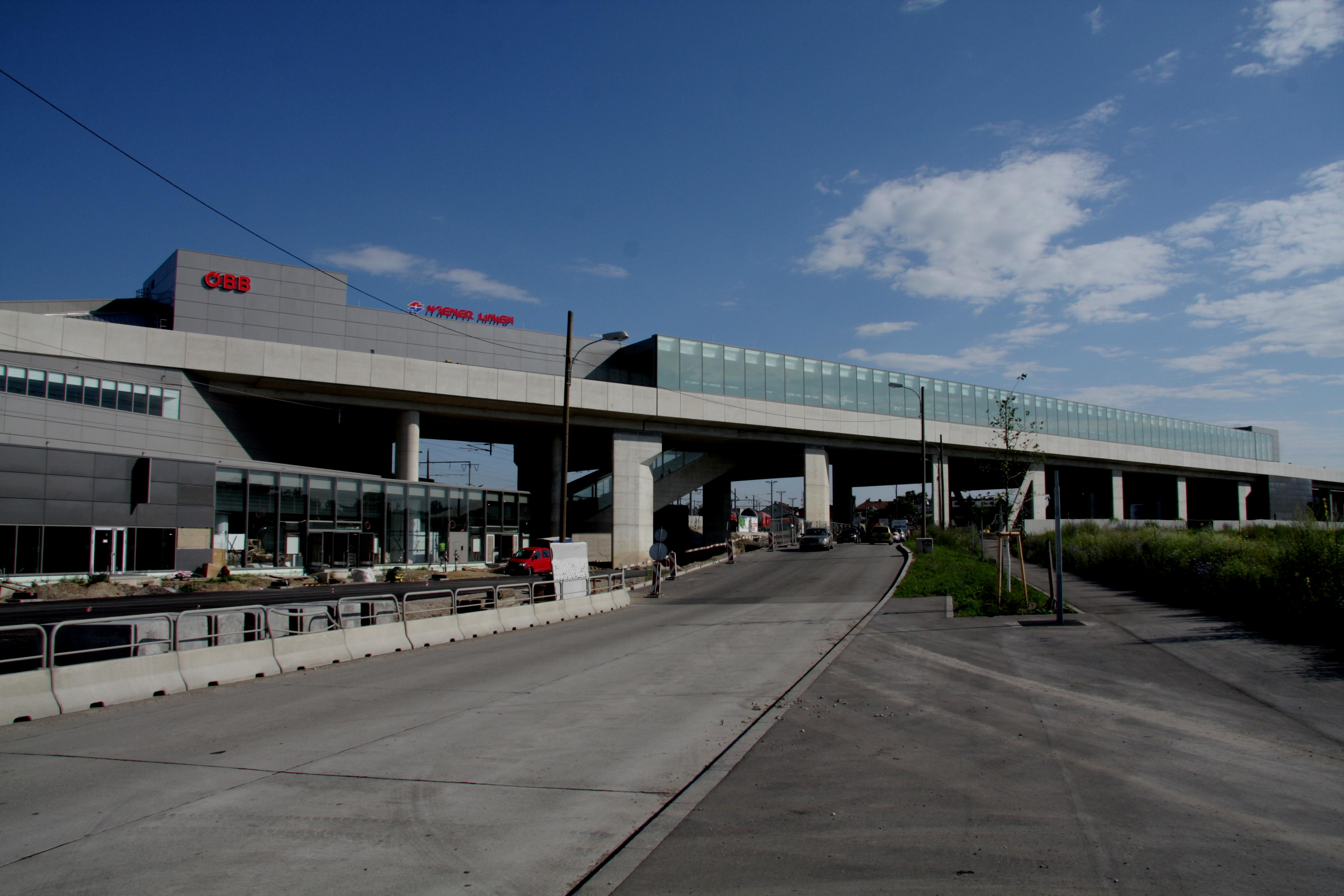 Wiener U-Bahnlinie 2, Baulos 8 - Stadlau - Road and bridge construction